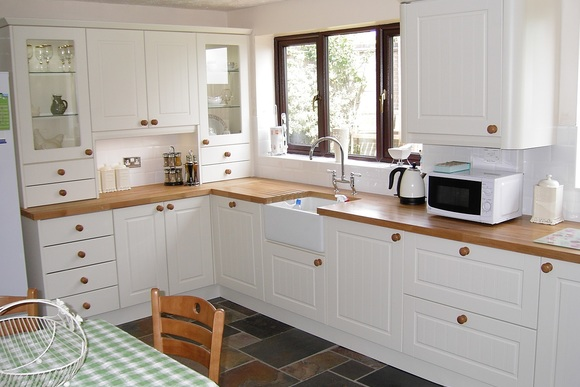 Traditional Oak Bespoke Fitted Kitchen
