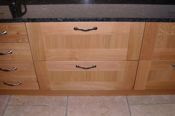 Shaker Style Oak with Steel Grey Granite