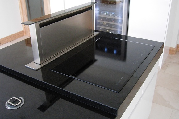 White Ultra High Gloss Acrylic with Black Granite